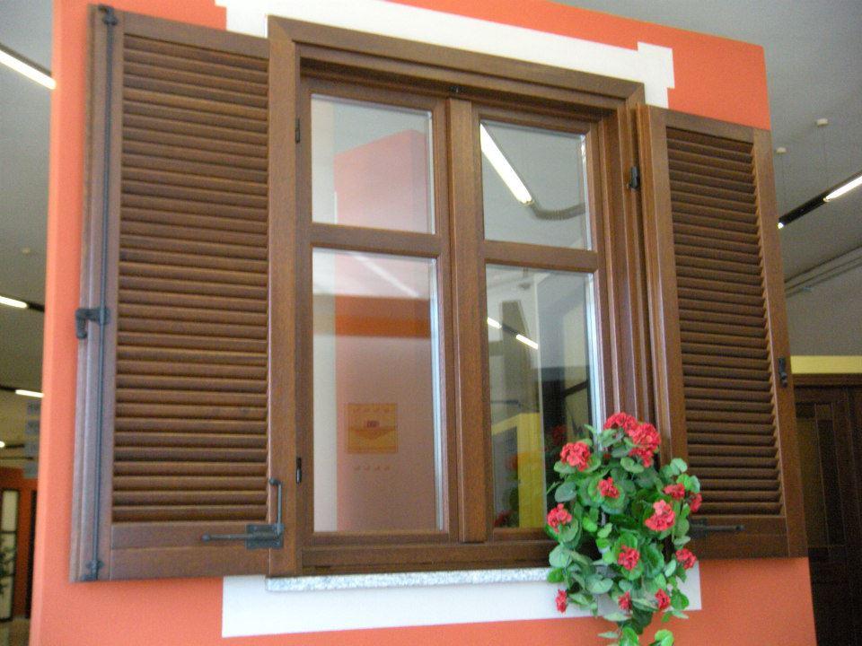Serramenti produzione legno tecno stil for Serramenti esterni